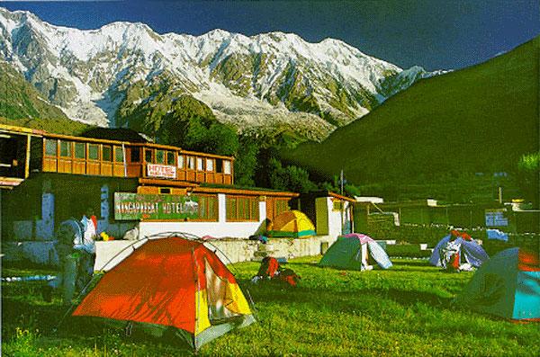 13.Camping site.jpg (111287 bytes)